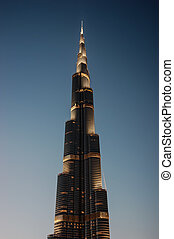 dubai, uae-november, 13:, noche, vista, de, burj, khalifa, -, el, mundo, el más alto, torre, en, céntrico, burj, dubai, en, noviembre, 13, 2012, en, dubai, uae