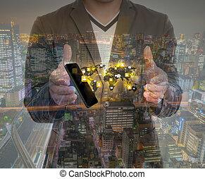 dubbele blootstelling, van, hand houdend, een, telefoon, tonen, sociaal, netwerk