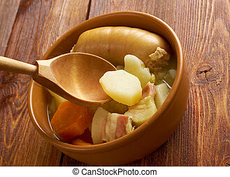 Dublin coddle - Irish dish which , of roughly sliced pork sausages and rashers with sliced potatoes and onions.