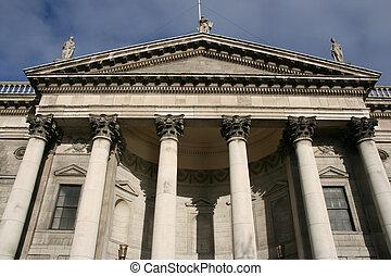 Dublin Four Courts - Four Courts Building in Dublin. Famous...