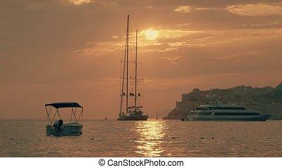 Dubrovnik sunset panorama - Dubrovnik in sunset light, ...