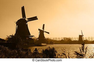 Duch windmills silhouettes