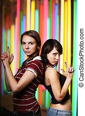 due, bello, giovani donne, proposta, sopra, colorito, fondo