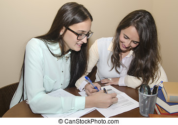 due, donne lavorare