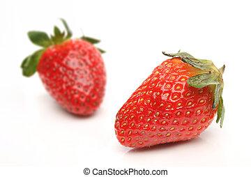 due, fragole, sopra, sfondo bianco