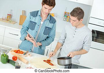 due, insieme, pizza, fabbricazione, maschio, amici, cucina