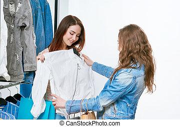 due ragazze, provare, bianco, jacket.