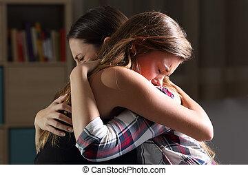 due, triste, adolescenti, abbracciare, a, camera letto