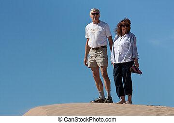 duinen, actief, paar, gepensioneerd