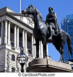Duke of Wellington Statue and the Bank of England - The Duke...