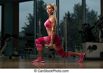 dumbbell, mulher, squat, maduras, exercício