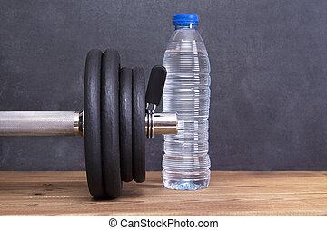 dumbbells, 以及, 水瓶子