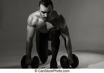 dumbbells, joven, muscular, hombre