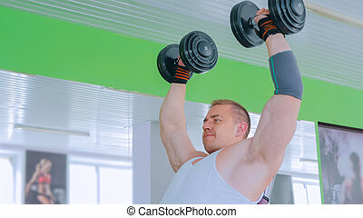 dumbbells, levantamento, homem, jovem, atlético, ginásio