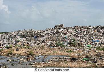 A disgusting dump site in Central America