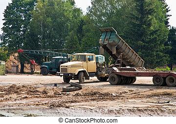 dump-track