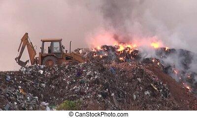 dumping, déchets, brûlé