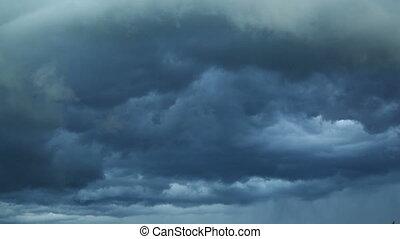 dunkel, stürmen wolken, ar, bewegen, schnell, an, zuschauer,...