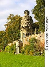 Dunmore Pineapple House, Scotland
