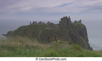 Dunnottar Castle, Scotland, Real 200fps SlowMo - Native...