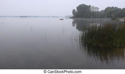 dunstig, Herbst, schlechte, Wetter, Fischer, 4k, boot,...