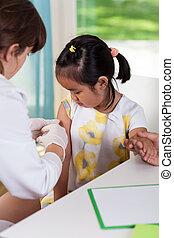 durante, menina, asiático, vacina