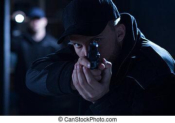 durante, policía, apuntar, arma de fuego, intervención
