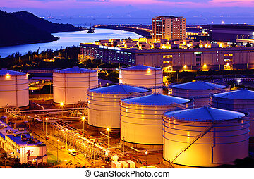 durante, tanque de petróleo, ocaso