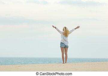 dusk., vrouw, vrijheid, kosteloos, het genieten van, strand