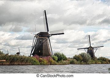 Dutch windmills in Kinderdijk, Holland