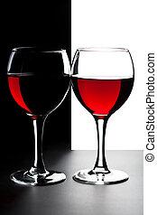 dva, mikroskop k červené šaty víno, osamocený