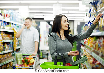 dvojice, v, supermarket