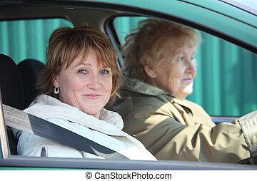 dwa kobiet, w wozie