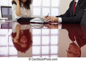 dwa, koledzy, czyn, telekonferencja