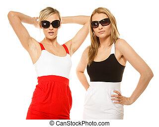 dwa, sexy, pomylony, kobiety, w, letnie ubranie, sunglasses.