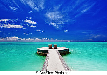 dwa, ustrojenie krzesła, na, oszałamiający, tropikalna plaża