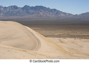 dyner, mountains, sand, kelso