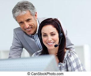 dyrektor, dojrzały, employee's, jego, kontrola, praca