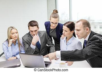 dyskusja, laptop, posiadanie, handlowy zaprzęg