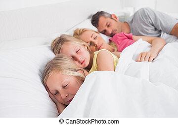 dzieci, rodzice, ich, spanie, łóżko