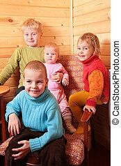 dzieci, w, drewno, dom