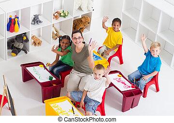 dzieciaki, nauczyciel, preschool
