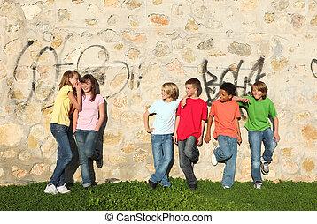 dzieciaki, razem, prąd, wisząc, mieszany, poza