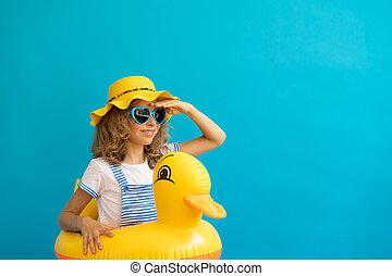 dziecko, portret, żółta kaczka, tło, szczęśliwy, przeciw, błękitny, ścierka