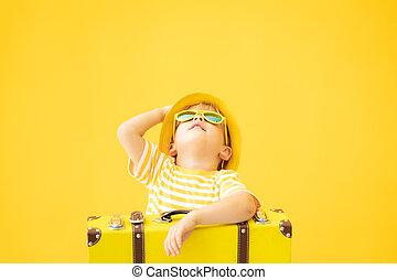 dziecko, portret, żółty, szczęśliwy, retro, walizka