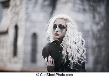 dziewczyna, groteska