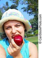 dziewczyna, jabłko