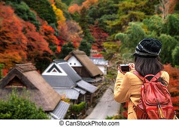 dziewczyna, japończyk, jesień, tło, barak, tradycyjny, fotografia, wziąć, podróżny