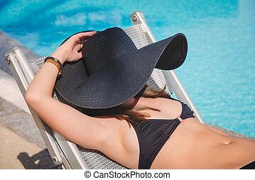 dziewczyna, kostium kąpielowy