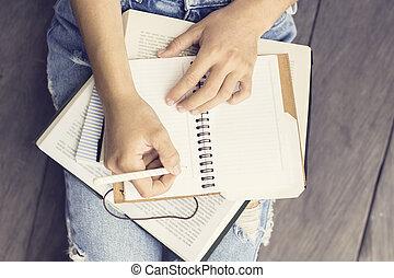 dziewczyna, książki, pamiętnik
